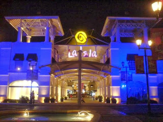 Activities to do in Cancun - La Isla Shopping Village